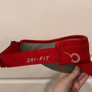 Nike Accessories - Men s Georgia (UGA) visor—Nike Dri-fit 9422b762833